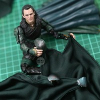 Loki Avenger Wired Cape Jubah Sayap Marvel Legends