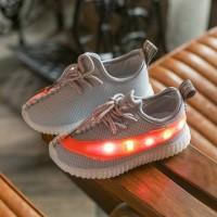 Sepatu walker anak import abu oren tali model Adidas Yeezy lampu LED