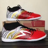 Sepatu Futsal Specs Heritage IN Emperor Red White