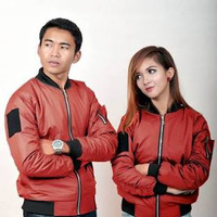 Jaket bomber couple merah
