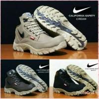 Sepatu Safety Boots Nike tracing california