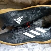 Sepatu futsal / putsal footsal ADIDAS CONQUISTO 2 IN SIZE 46 47 48 UK