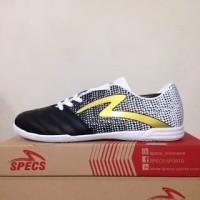 Produk Favorit - Sepatu Futsal Specs Equinox IN Black Gold White 4007