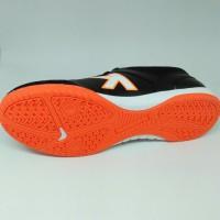 terlaris Sepatu futsal kelme original Land Precision black orange new