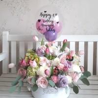 Large Bloom box with custom Balloon