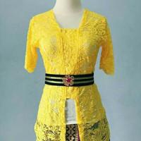 Setelan kebaya bali baju tradisional