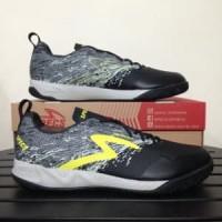 Sepatu Futsal Specs Metasala Warrior Black Cool Grey 40 Berkualitas