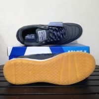 Sepatu Futsal Kelme Intense Dark Grey 55781-702 Origina Limited