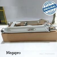 Swing arm supertrack megapro model baru
