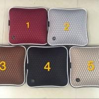 Bantal pijat cocok buat di kantor atau dimobil dengan batere charge s1
