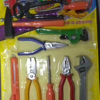 Mainan alat tukang