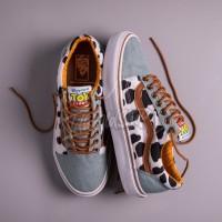 Sepatu Vans x Disney Pixar Toy Story Collection Old Skool Woody Denim