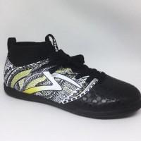 Promo Sepatu futsal specs heritage in black gold white original new