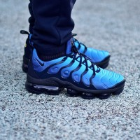 Sepatu Nike Air Vapormax Plus Black Hyper Blue Premium Quality