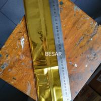 Pembungkus makanan aluminium foil ukuran BESAR (gold)