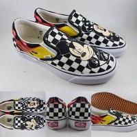 Sepatu Vans Slip On X Disney Mickey Minnie Mouse Checkerboard Flames