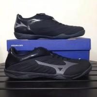 Sepatu Futsal Mizuno Rebula Sala - Black/Met. Shadow/Dark Shadow