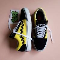 SEPATU Vans x Peanuts Old Skool 'Charlie Brown' (yellow/black/white)