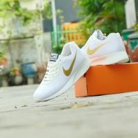 #NIKE Sepatu Sport Olahraga Nike Tanjun - Full White Emas - Pria