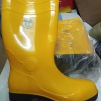 Sepatu boot karet ujung besi Sapety pvc mrek SAND sepatu pronyek bahan