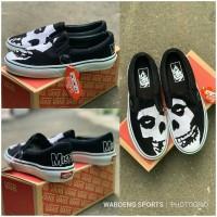 Sepatu Vans Slip On Misfits PREMIUM Classic Slop Punk Rock Shoes Black