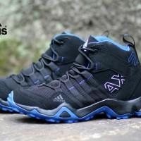 sepatu pria adidas ax2 high hitam biru
