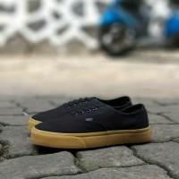 sepatu sneakers casual vans autentic hitam sol coklat gum cowok pria