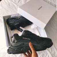 Sepatu Balenciaga Triple S Full Black Premium Original