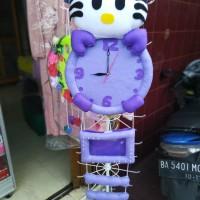Jam Dinding Hello Kitty Jumbo warna Ungu