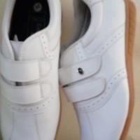sepatu golf wanita