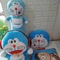 Paket Bantal Guling Boneka Doraemon 4 in 1 Series SNI