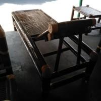 kursi malas berbahan bambu wulung