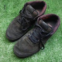 sepatu Vans x Metallica