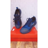 sepatu nike snekers+sepatu lari pria+ warna biru dongker+bagus