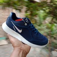 Sepatu Sport Nike Karet Men / biru dongker / navi