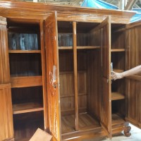 Lemari pakaian minimalis 4 pintu kayu jati asli