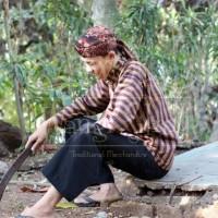 Baju Sorjan Adat Jawa Lurik Dalang plus celana batik