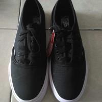 Sepatu Vans Authentic Black White