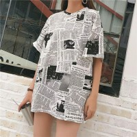 Kaos T-Shirt O-Neck Lengan Pendek Model Longgar Motif Print Koran
