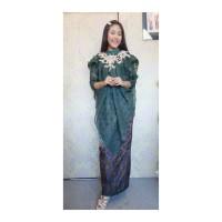 set baju bodo dan rok sarung motif khas makassar bugis dan kain bulu