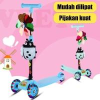 Scooter Anak Skuter Otoped Roda 3 Mainan Anak Dengan Musik dan Lampu - Standar, Biru