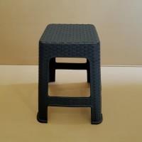 kursi / bangku tinggi plastik model anyam hitam