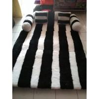Karpet Lipat Karakter minimalis garis hitam putih tebal 12cm bahan