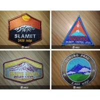 Emblem Bordir Gunung dan Taman Nasional