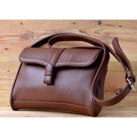 Tas Wanita Selempang Slingbag bentuk kotak PSP escort slingbag - Cokelat