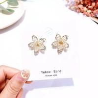 Anting Bunga Kristal Fashion Crystal Flower Earrings