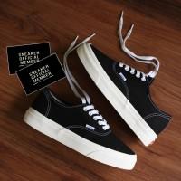 Sepatu Vans Vault OG Classic Authentic Black White Ivory BNIB