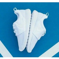 Sepatu Nike Rose Run Putih Polos