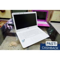 Laptop Asus Zenbook UX305CA QHD Resolusi tinggi CashBack