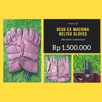 Deus ex machina belted gloves